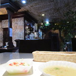 名護そば まきし食堂 - セットのサラダとスープ