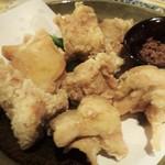 44209947 - 越乃鶏の立田揚げ:カラッと揚がって、中は熱々です。鶏肉のお味もイイですネ!