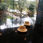 コーネルコーヒー - 大テーブルのほう