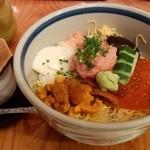 築地寿司岩 - 三色ちらし丼(1,728円)