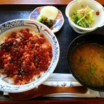 中長 - イクラ丼