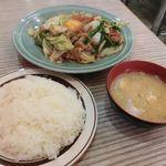 44217931 - 肉と野菜のタレ焼き(生玉子入り)スタミナ焼き定食