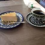 44219969 - チーズケーキセット