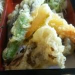 44220564 - 天ぷらはどれもサクサクで揚げたて!