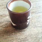 44220566 - そば茶が最初に出てきます。