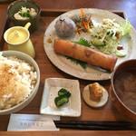 あめいろ食堂 - 県産鶏の五目春巻プレート