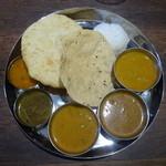 IndianRestaurant SONIA - 南インドランチスペシャル(チキン、マトン、ベジタブル)