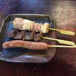44223594 - 比内地鶏串焼き(正肉、砂肝、ウインナー)