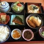味の民芸 - 料理写真:お昼の民芸弁当¥1180。