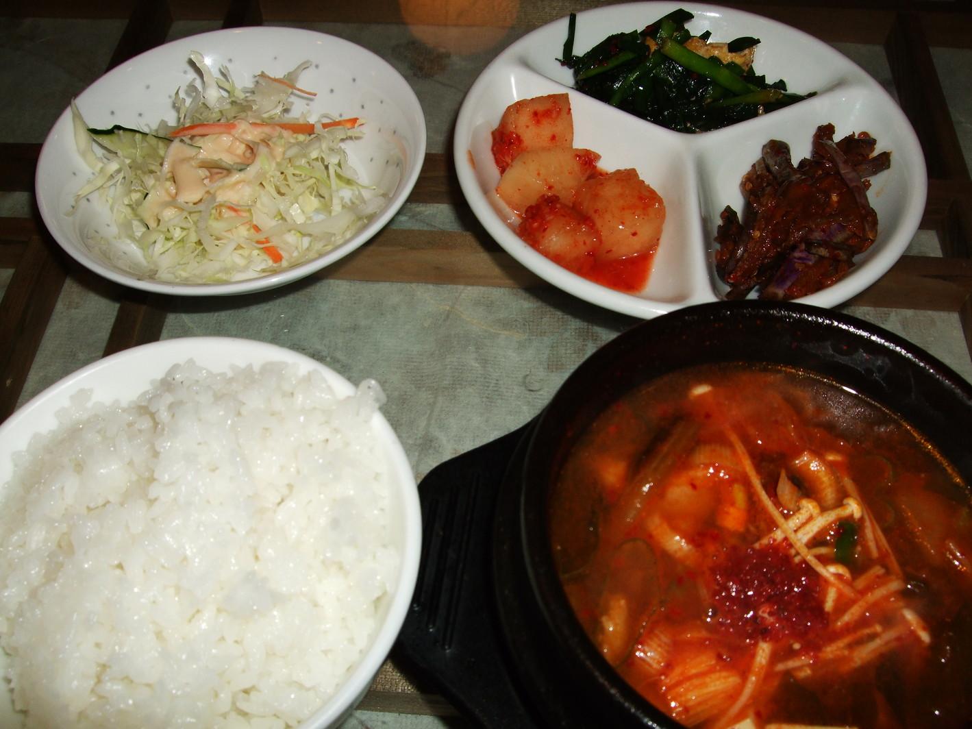 韓国居酒屋 土の村