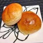 レストラン 南の風 - 店内販売の塩バターパン。