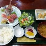 Izunosuke - 地魚刺身三点盛定食 980円