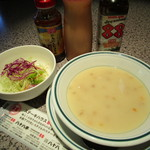 ステーキハウス88 - セットのスープとサラダ
