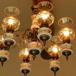 レストラン モントレー - 照明