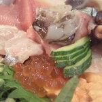 4424560 - 海鮮丼拡大