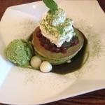 梅小路カフェ BOSSCHE - 宇治抹茶と白玉のパンケーキ