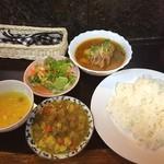 クシ - ダルカレー 野菜カレー