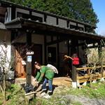 カフェ寿寿 - 外観は日本家屋です。