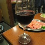 八輪 - ワイン(グラス・赤) 400円