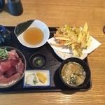 魚彦 - 鉄火丼+野菜のかきあげ