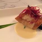 44248594 - 【主菜(魚)】○イサキのポワレ様、 小ぶりなカットのお上品なポワレ様で味わいはかなりライトなテイスト!