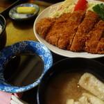キッチン ワタル - トンカツ定食¥900-