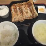 紅虎餃子房 - 鉄鍋棒餃子定食950円が柏ランチパスポートVOL.2で540円(2015.11.6)