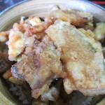 そば処 三な花 - ミニ野菜天丼230円。