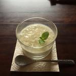 喫茶 苔 - 杏仁豆腐  はちみつジュレのせ