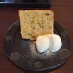喫茶 苔 - シフォンケーキ  この日はサツマイモ