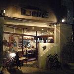 エノテカ・リオーネ - 帰る頃にはすっかり真っ暗。夜の雰囲気も素敵です~☆