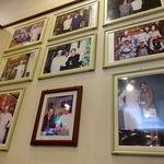 生香園 - 店内にはスーパースターの写真がズラリ。 世界のコシノジュンコや野茂秀雄、世界では通用しなかったけど日本のジャンボ尾崎、などなど 名だたる有名人が勢ぞろい。