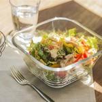 ムロマチカフェハチ - 朝どれ野菜のサラダ