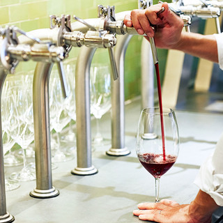 日本では数少ない【樽生ワイン】をご用意