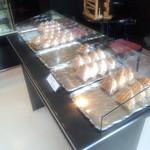 銘菓と洋菓子 静月 - 店内