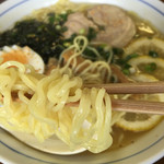 田山ドライブイン - れもんラーメン…麺