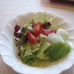 欧風料理 ボンシェフ ミタニ - サラダも皆一緒でレタスを中心としたグリーンサラダでした。
