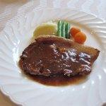 欧風料理 ボンシェフ ミタニ - この日の日替わりランチのメインは豚肉のソテーのジャポネソース添え。