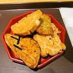 フリーカフェ 播磨屋ステーション - おかきは一人6種×1個まで