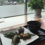 Cafe花しるべ - 花しるべ&抹茶