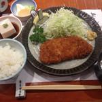 平沼 田中屋 - とんかつ御膳、税抜き、1550円。これだけでも立派なとんかつ定食だけど、そばもついて大満足。