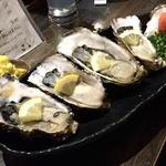 魚貝三昧 雛 1号店 - 生ガキ4個で750円