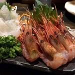 魚貝三昧 雛 1号店 - エビいっぱ~い並んでる~。