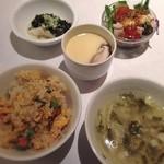 楓林 - 点心セットの炒飯 スープ サラダ 前菜と茶碗蒸し