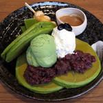 mog - 大納言あずきと塩生クリームの宇治抹茶パンケーキ(\1,300)