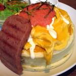 mog - 和風明太子とふわとろオムレツのパンケーキ(アップ)