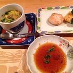素敵亭 - 左は茶碗蒸し!美味い。右はホタテバター、イカ衣焼き。