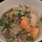 神田5番商店 - 牛すじ塩煮込み、優しい味付けです。