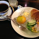 はるる cafe - ブレンドコーヒー 380円税込とモーニングセット