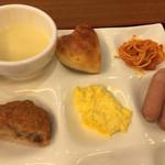 44308748 - 朝食バイキング 盛り付け例:洋食